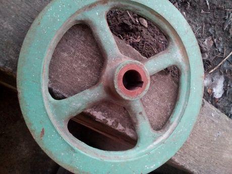 Продам шків 400 гривень діаметр 320 мм вал 30 мм