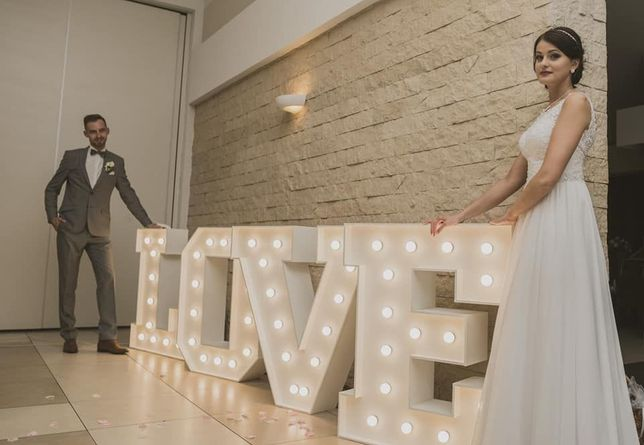 LOVE 3D dekoracja światłem litery