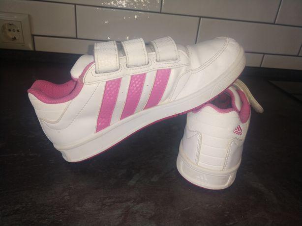 """Продам детские  фирменные кроссовки """"adidas"""""""