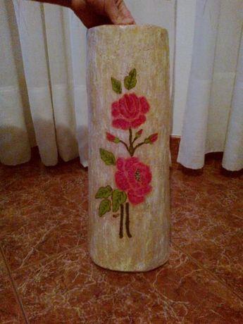 Telha decorativa pintada à mão