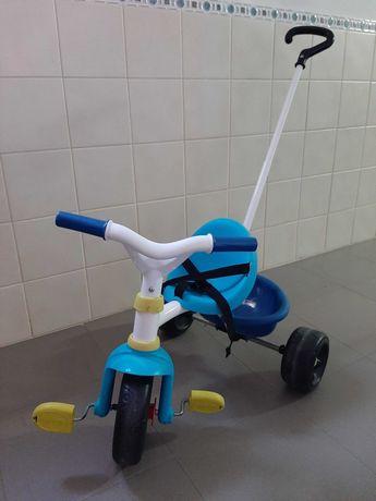 Triciclo chicco praticamente novo.