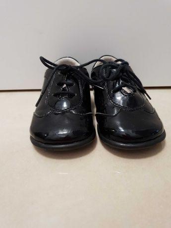 Buty lakierowane Emel 21