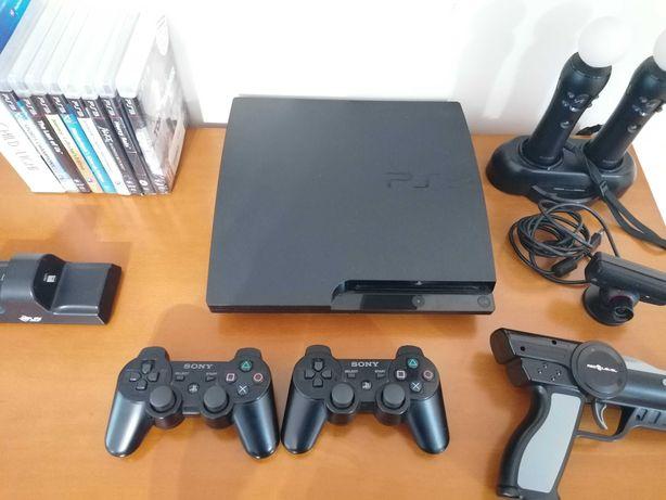 PS3 + 2 Comandos DualShock + PS Move + PS Eye + 8 Jogos