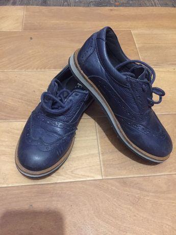 Туфли, кеды, кроссовки Prada
