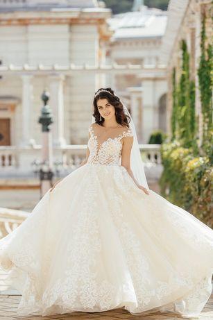 Шикарне весільне плаття бренду Allegresse