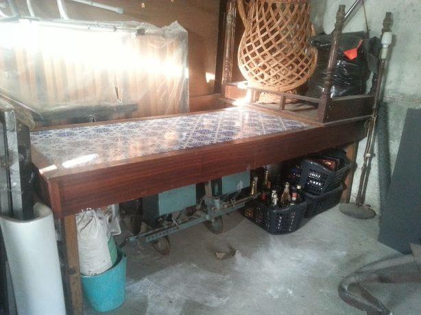 Mesa cozinha rustica com azulejo