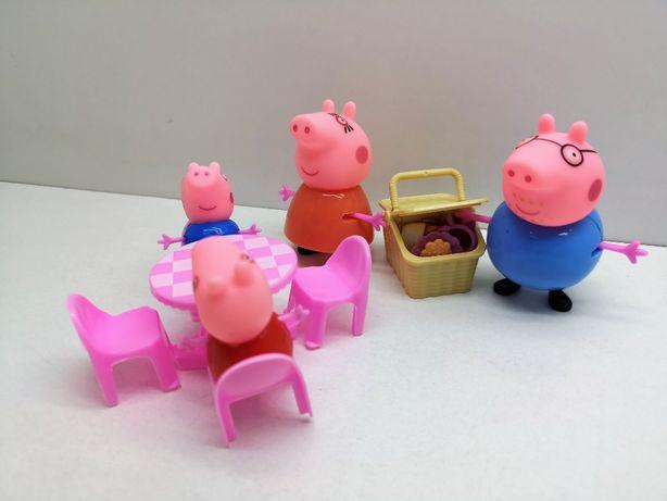 Nowy komplet ,zestaw z bajki Świnka Peppa piknik