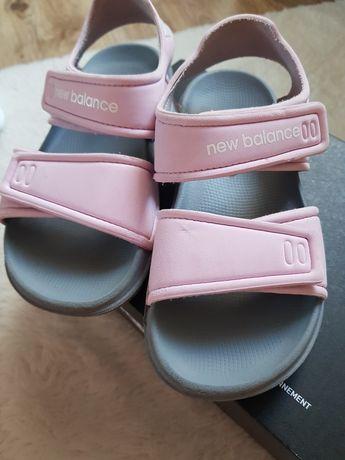 Sandałki New Balance rozmiar 29. Jak nowe.