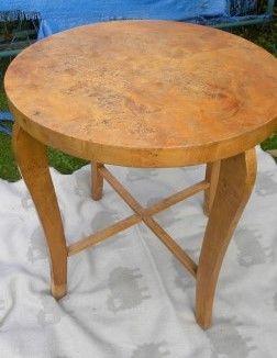 Stary, drewniany, okrągły stół