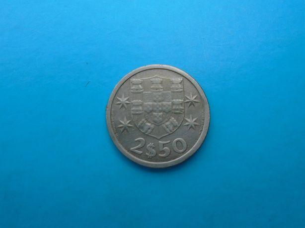 """Moeda 2$50 Escudos 1966 """"Escassa"""""""