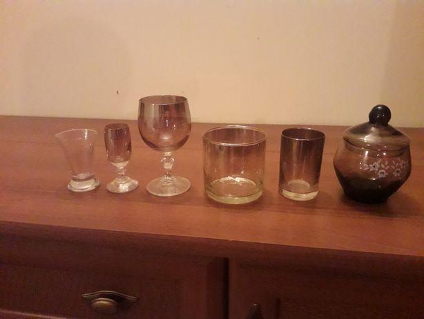 Kieliszki szklanki zestaw