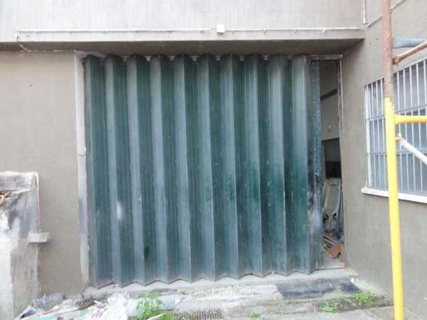 Portão de fole para garagem altura 3.25m, largura 3.85m