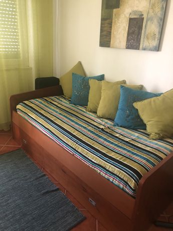 Sofá cama e gavetão com cama