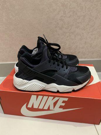 Кроссовки Nike Huarache оригинал! 36 размер