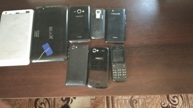 Продам 6 телефонів і 2 планшети