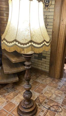 Старинный напольный торшер