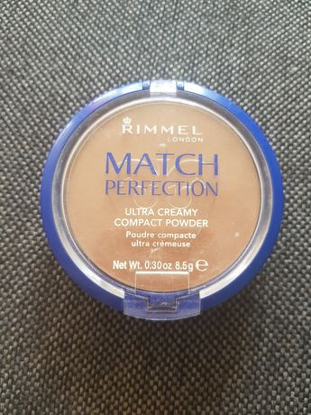 Puder prasowany Rimmel match perfection