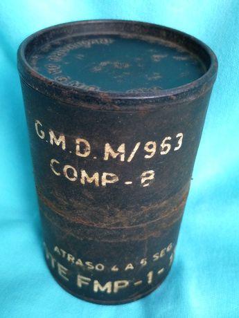 caixa,lata coleção vazia d granadas militar exército português antigo