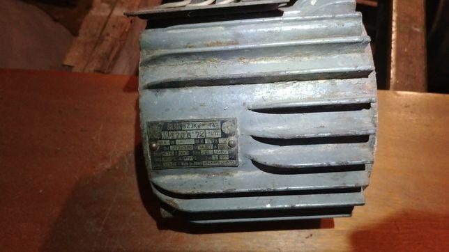 Silnik SZJKe 14a stojan 0,8 kw 3 fazy