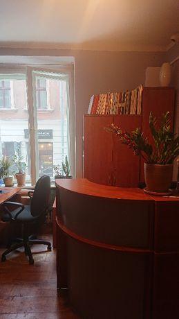 Meble biurowe w bardzo dobrym stanie, jakości i ładnym kolorze