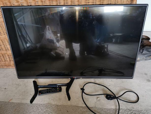 Telewizor LG  z pilotem