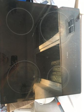 Płyta elektryczna marki Bosch uszkodzone szkło