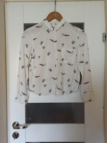 Damska białą koszula
