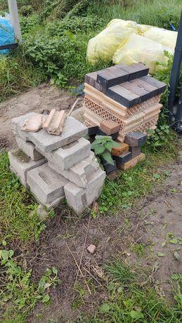 Pustaki, cegły klinkierowe, bloczki fundamentowe