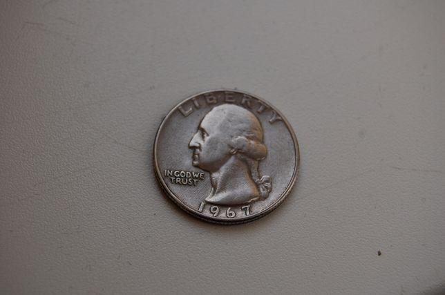 Moneta ćwierć dolara z 1967 roku.