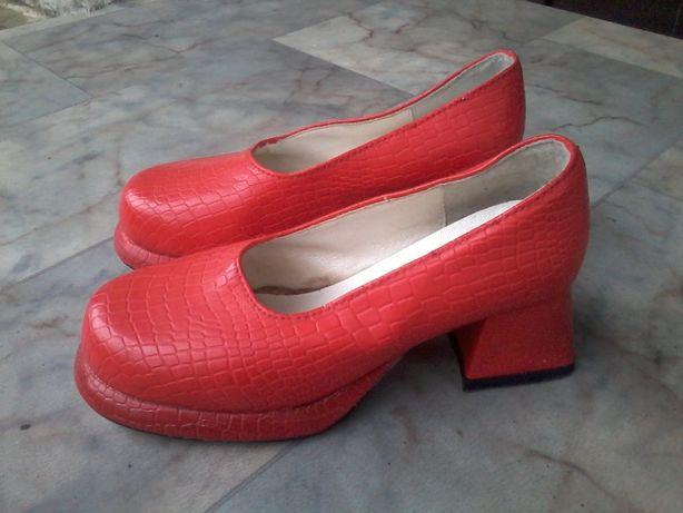 Туфли на девочку. 35 размер. Уценённый товар!