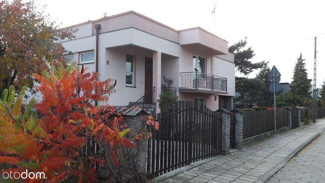 Atrakcyjny dom w spokojnej okolicy