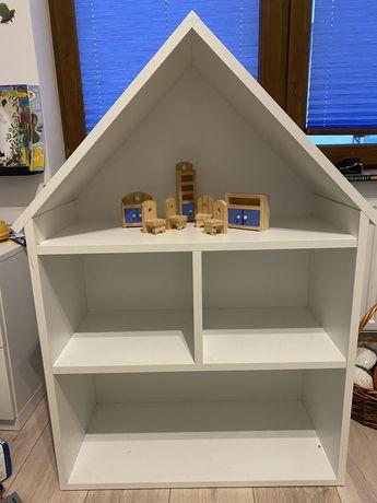 Domek drewniany dla figurek lalek