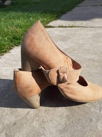 Damskie buty na obcasie Lasocki r. 39
