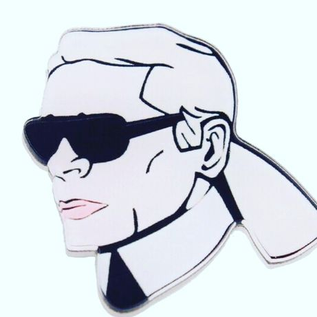 Przypinka badge broszka pin blogerski hit karl lagerfeld