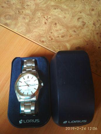 годинник LORUS