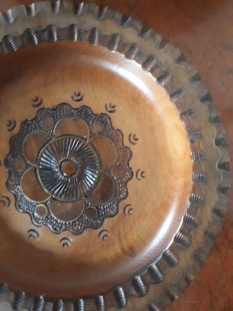 Talerz drewniany ręcznie zdobiony