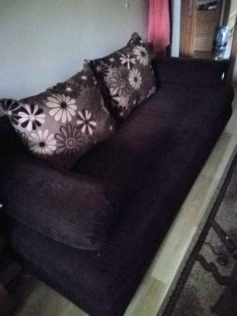 Duża używana kanapa