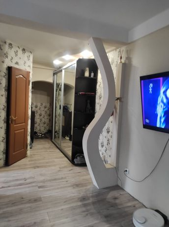 Продам 2 квартиру на Комсомольском проспекте