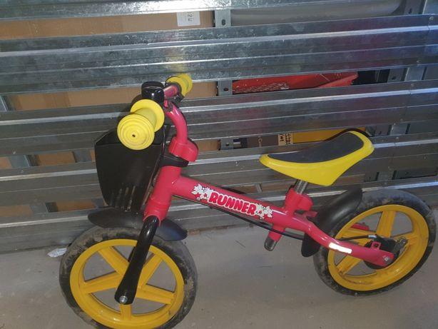 Rowerek biegowy z koszyczkiem