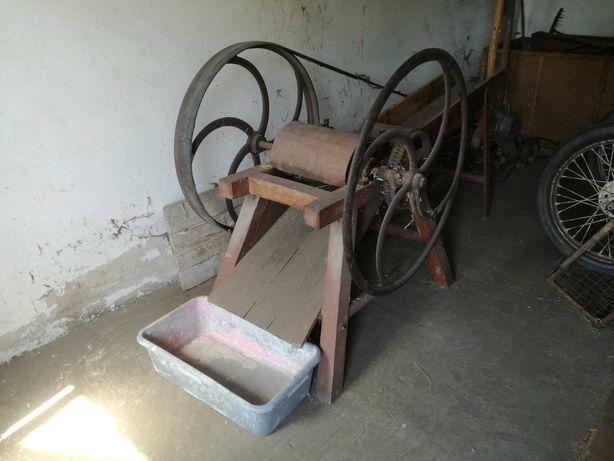 Sieczkarnia z silnikiem polskiej produkcji