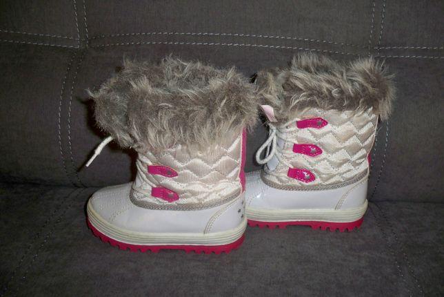 Śniegowce / rozmiar 24 cm / białe, różowe, kożuszek / buty zimowe