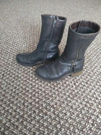Демисезонные ботинки Clarks на девочку