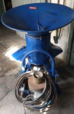 Śrutownik bijakowy - rozdrabniacz Bąk 5,5 kW 380V