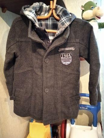 Пальто на мальчика 4-5лет, 400грн.