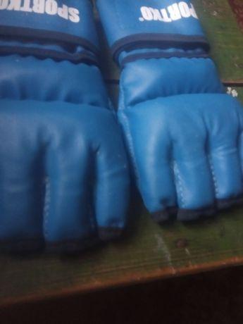 Продам перчатки майже нові