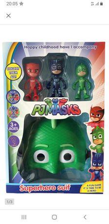 Maska z figurkami