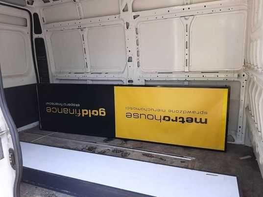 Baner reklamowy Metrohouse