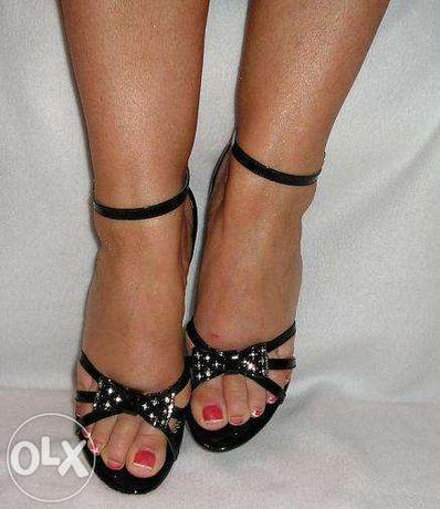 Piekne i niepowtarzalne buty kokarda koturny cyrkonie