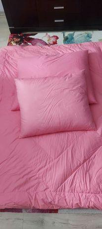 Nowa kołdra z 2 poduszkami robiona ręcznie z pierza dartego ręcznie.