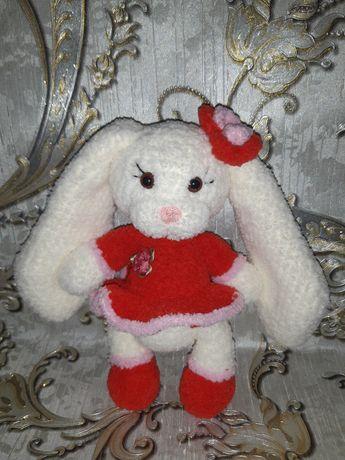 Вязаная игрушка зайка